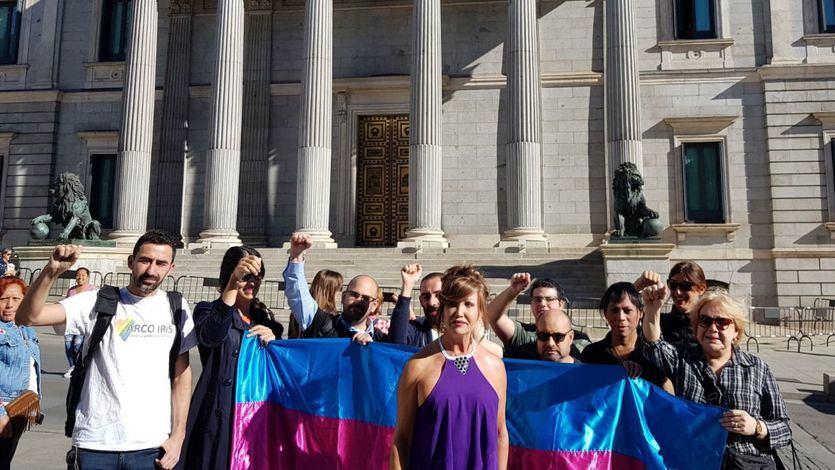 18 activistas, en huelga de hambre hasta que Podemos ponga fecha al debate de la ley de transexualidad en el Congreso