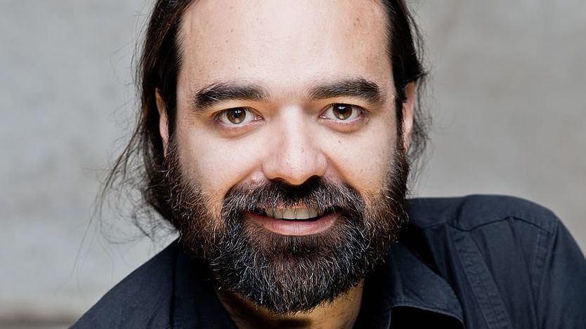Álvaro Luna (videoescenista): 'El cine o la televisión están mucho más maniatados que la videoescena'