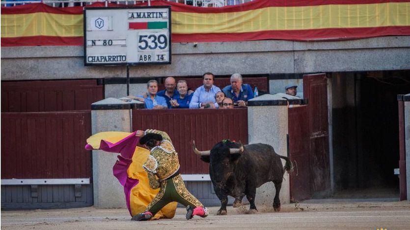 Talavante recibe a portagayola al primer toro de la tarde