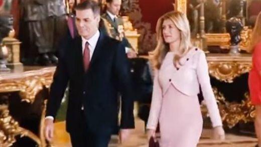 Sánchez se lía en la recepción del Palacio Real y se salta, por segunda vez, los protocolos del 12-O
