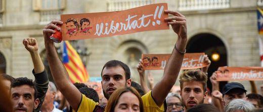 Los partidos catalanes comienzan el chantaje para aprobar las cuentas de Sánchez