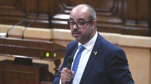 Otra bomba para la paz: imputado por desobediencia el conseller de Interior, Miquel Buch