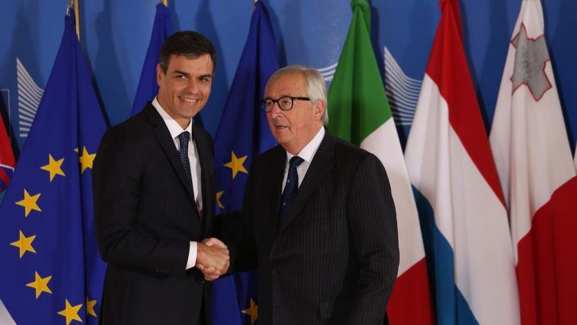 Moncloa aseguró que Bruselas tuvo una primera impresión 'muy positiva' de los Presupuestos de Sánchez y Podemos