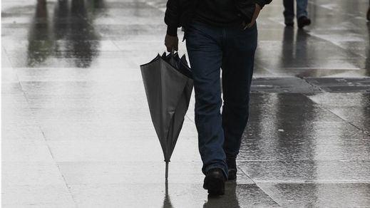 La gota fría activa las alertas por tormentas en la Península y Baleares
