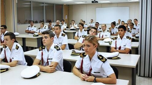 Defensa modifica los requisitos para acceder al Ejército atendiendo a la igualdad de género