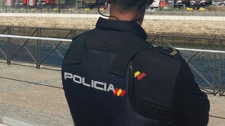 Dimite el jefe de la Policía Nacional de Navarra por sus loas al fascismo y ataques a la izquierda en Twitter