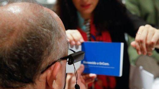 OPTICA2000 lanza OrCam MyEye 2.0, un dispositivo que lee textos, reconoce caras y productos para personas con baja visión y ciegas