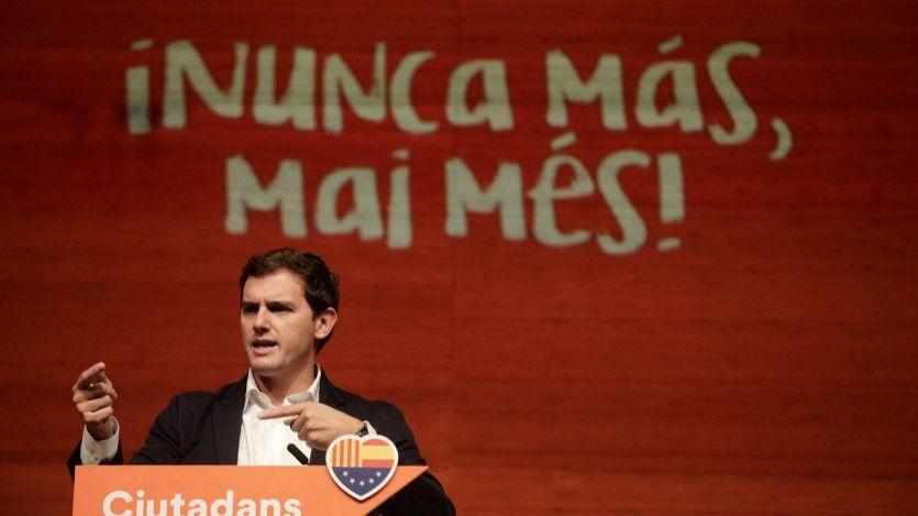 Rivera lamenta que Sánchez pasee a Torra 'en la Moncloa como si fuera Churchill'