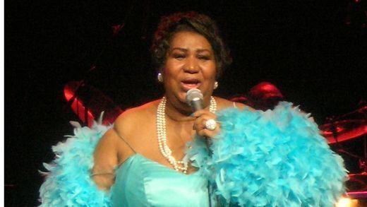 Salen a subasta los vestidos de la 'reina del soul', Aretha Franklin