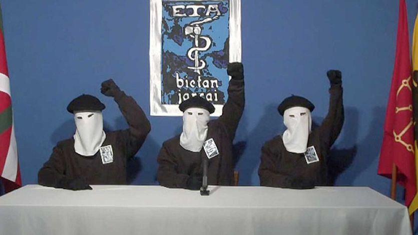 ETA hace balance de medio siglo de lucha armada: reconoce 2.606 atentados y 758 víctimas
