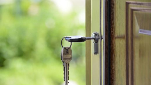 Competencia vigilará que la banca no suba las hipotecas por tener que pagar el impuesto
