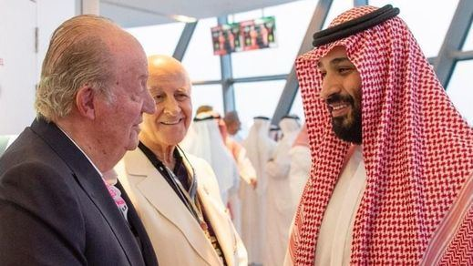 Indignación por la foto del Rey Juan Carlos con el Príncipe saudí