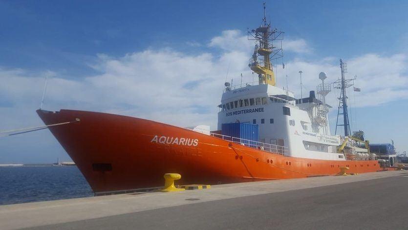 Médicos sin Fronteras da la alarma en el Mediterráneo y reclama al Gobierno la bandera española para el Aquarius