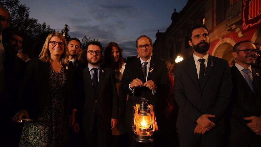 'La culpa es de España': el Govern catalán acusa al Estado de la 'asfixia económica' que ha hecho incendiar las calles