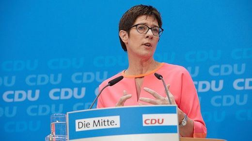 Sin sorpresas: la sucesora natural de Merkel, Annegret Kramp-Karrenbauer, nueva presidenta de la CDU