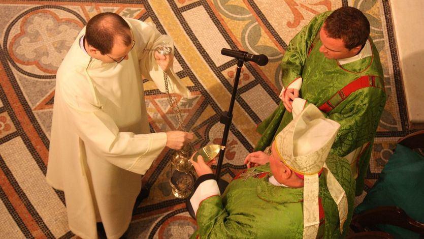 6 meses de prisión por interrumpir una misa con gritos a favor del aborto