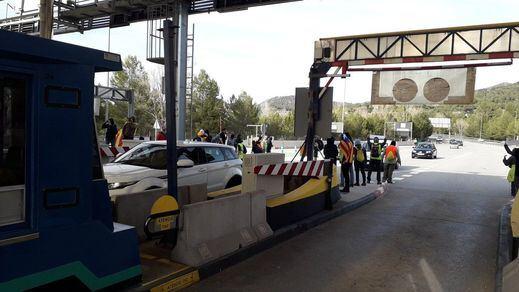 El Gobierno reducirá un 30% de media el precio de los peajes en las autopistas rescatadas