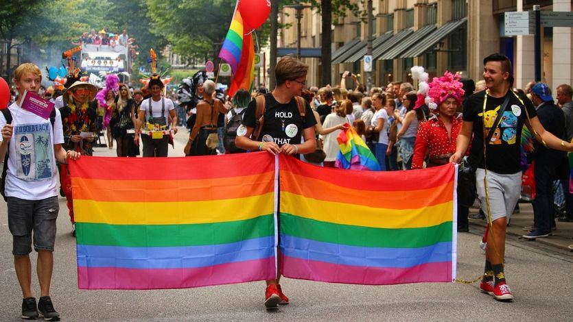 PP y Ciudadanos meten la pata con el colectivo LGTBI al intentar defenderlo