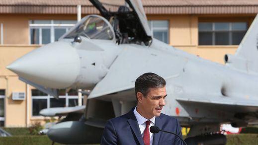 El Gobierno indigna a la oposición asegurando que el viaje en avión de Sánchez a Benicássim sólo costó 283 euros