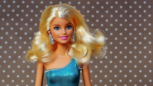 La muñeca Barbie cumple 60 años sin arrugas... pero en una nueva era