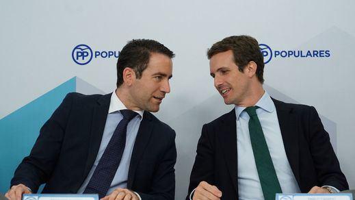 Génova espera que Vox ceda a sus propuestas mientras intenta apaciguar a sus 'barones'