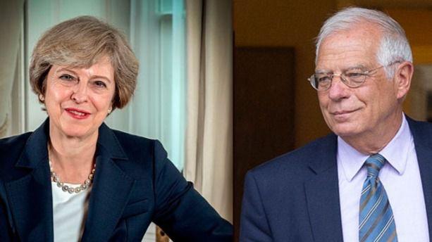 Theresa May y Josep Borrell