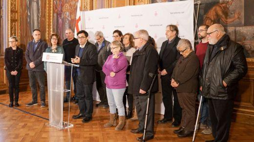 El Ayuntamiento de Barcelona retira 10 medallas franquistas