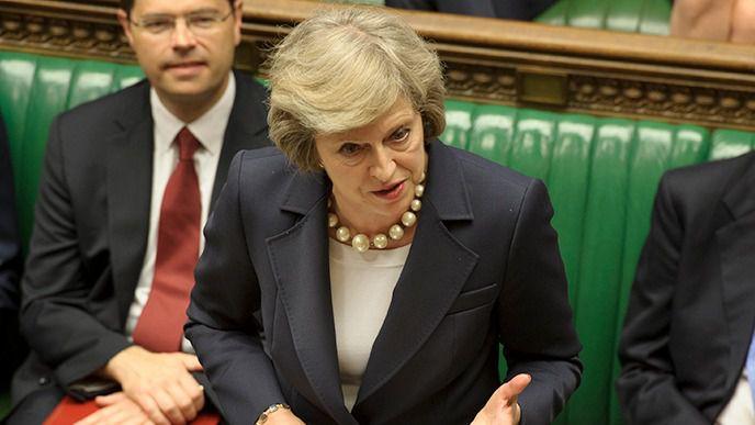 Theresa May supera por los pelos la moción de censura tras su fracaso en la votación del acuerdo del Brexit