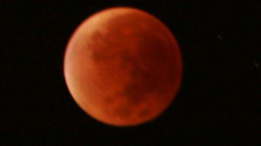 El eclipse lunar y la luna de sangre maravillan a todos los que miraron al cielo: las mejores fotos