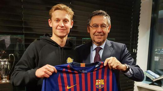 Frenkie de Jong, nuevo fichaje del Barça para un centro del campo con 'overbooking'