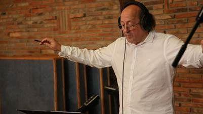 Ángel Illarramendi logra con su 'Zuzenean' la mezcla perfecta de música clásica y las raíces vascas (vídeo)