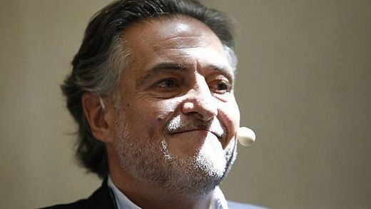 El socialismo abraza a Pepu Hernández para no mostrar fracturas internas