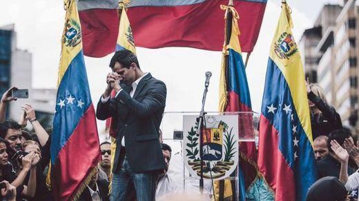 Ya está hecho: el Europarlamento reconoce a Guaidó como