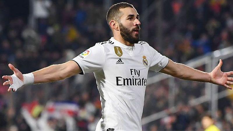 Un Benzema 'cristianizado' lleva en volandas al Madrid a semifinales de Copa (1-3 al Girona)