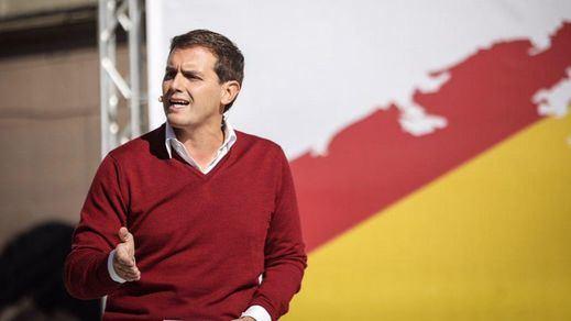 Rivera insiste en cargar contra Sánchez: