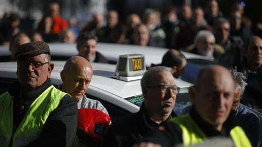 Los taxistas de Madrid votan poner fin a la huelga por un mínimo margen del 53%