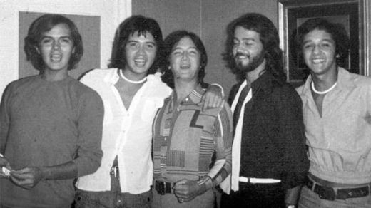 El 'Brinco' Miguel Morales homenajea a sus hermanos en 'Brothers', su nuevo y extraordinario álbum
