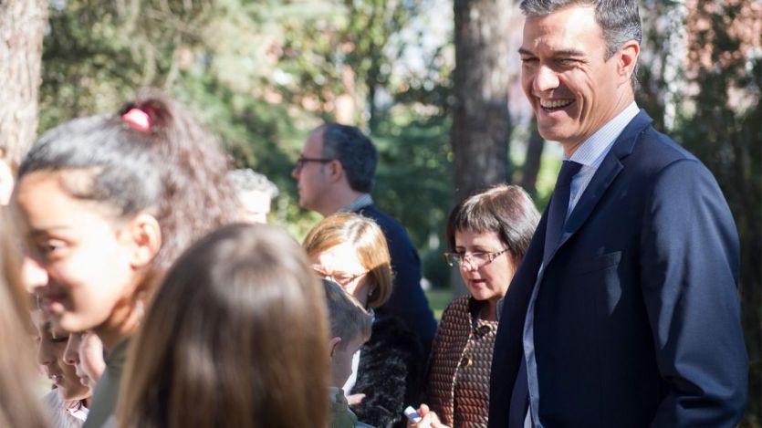 Sánchez, acorralado por la derecha que vuelve a las pancartas y abandonado por sus aliados parlamentarios