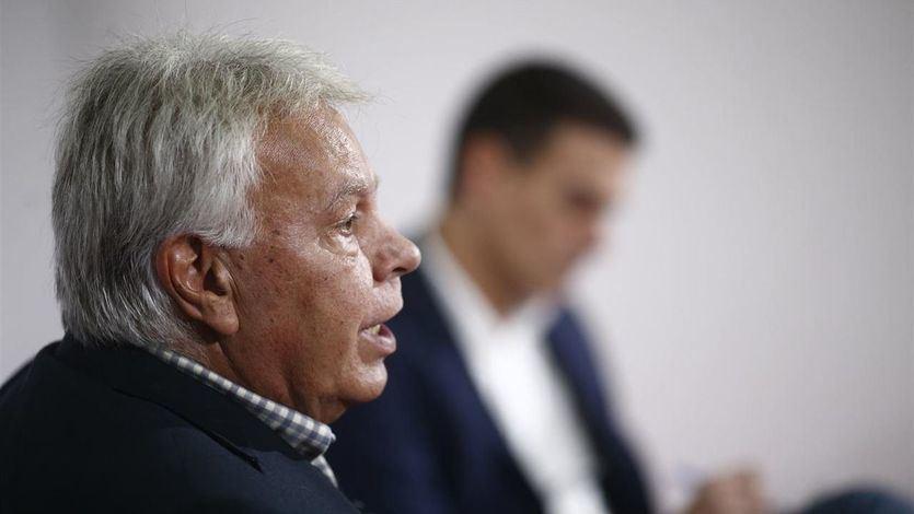Felipe González vuelve a la carga contra Sánchez por la figura del relator