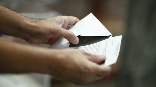 Gobierno y Podemos tramitan de urgencia un cambio en el voto exterior