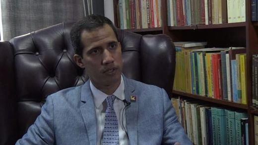 Guaidó no descarta apoyarse en una intervención extranjera y rechaza el ofrecimiento de dialogar con Maduro