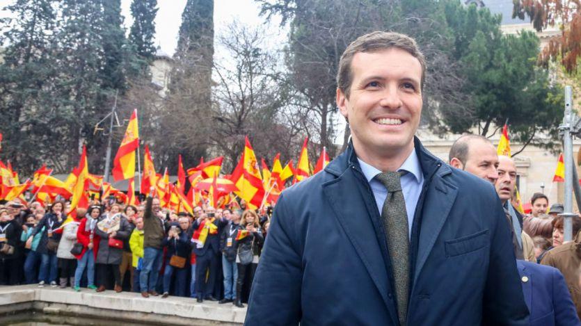 Del 'clamor' al 'pinchazo': la prensa no se pone de acuerdo para calificar la manifestación contra Sánchez