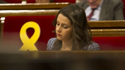 Todo igual en Cataluña: los independentistas retendrían la mayoría absoluta en el Parlament