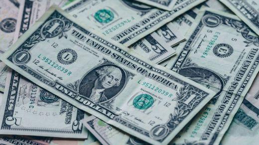 El dólar en máximos del año