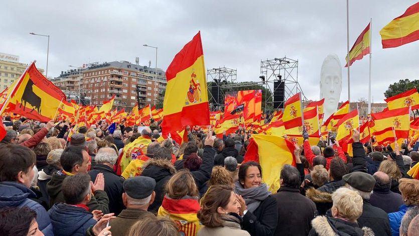 La manifestación contra Sánchez despertó la picaresca del 'viaje gratis': de hinchas del Cádiz a la Consejera de Transportes