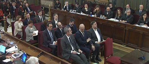 El juicio del procés arrancó con acusaciones de persecución política por parte de las defensas