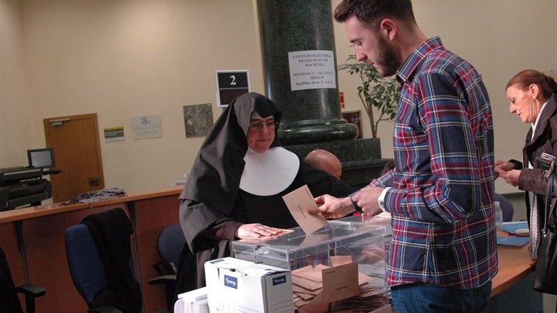 La primavera electoral española: hasta 4 papeletas que depositar en las urnas entre abril y mayo