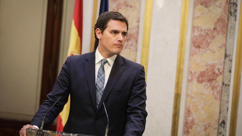 Rivera dice estar cansado de oír a 'Sánchez hablando de Franco y a Casado del aborto'