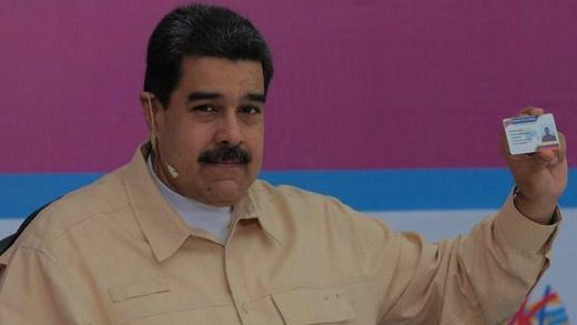 Maduro cambia de estrategia y reta a Guaidó a unas elecciones