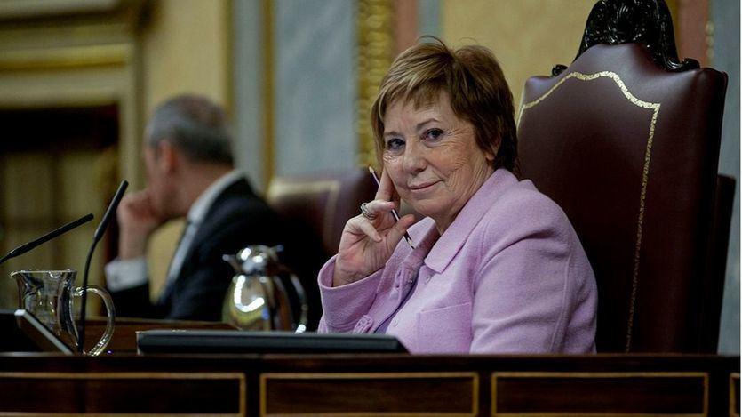Villalobos deja la política como punto final a una carrera que perdió contra Casado